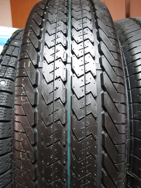 Автошина 225/75R16C DOUBLE STAR DS828 10pr 121/120R